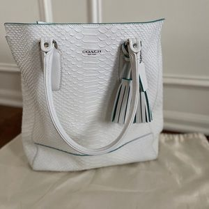 Legacy Python Tanner Tote NEW